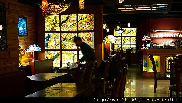 Murano 莫拉諾精品咖啡:【試吃】《Murano 莫拉諾精品咖啡》彩繪玻璃特色店